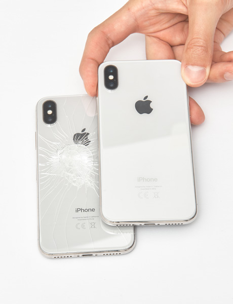 Torsion of the iPhone X case