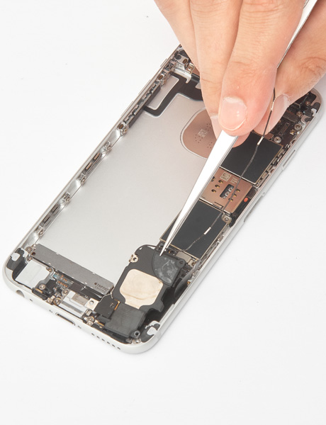 Repair the lower polyphonic speaker in the iPhone 6