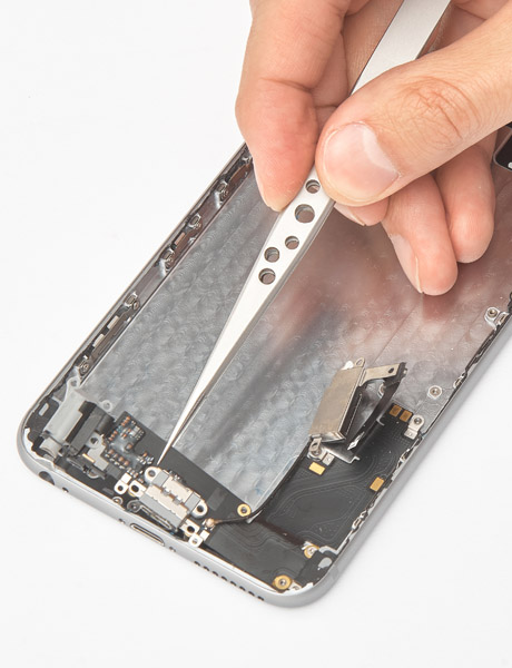 Repair and replace the charging connector in iPhone 6 Plus
