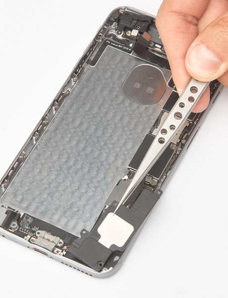 Repair of the lower polyphonic speaker in iPhone 6 Plus